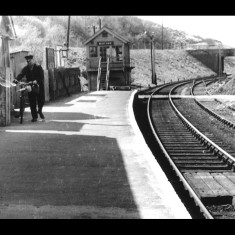 The unhurried pace of Widford Station, where oil lamps remained to the end. | © The Lens of Sutton Association