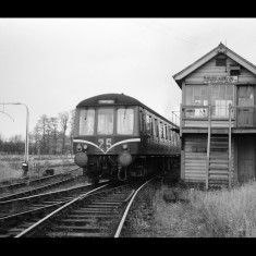 A Diesel Multiple Unit passes Standon signal box, St Margaret-bound, November 1964. | © Michael Covey-Crump