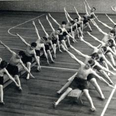 stretching moment | Owen Welch