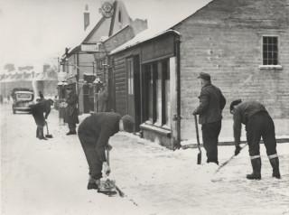 PoWs sweeping snow in Harpenden, 1947 | Eric Brandreth