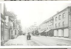Hitchin's High Street: a 1911 snapshot.