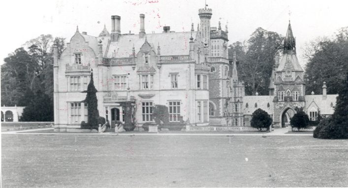 Stately Home - Hertfordshire Archives & Local Studies