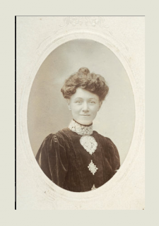 Suffragette Mrs Elizabeth Impey; c.1910 Photograph by H G Moulden | Photographer H G Moulden, Hitchin.