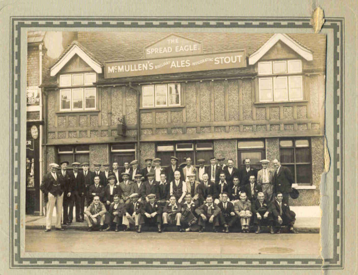 Spread Eagle Pub with it patrons around 1948