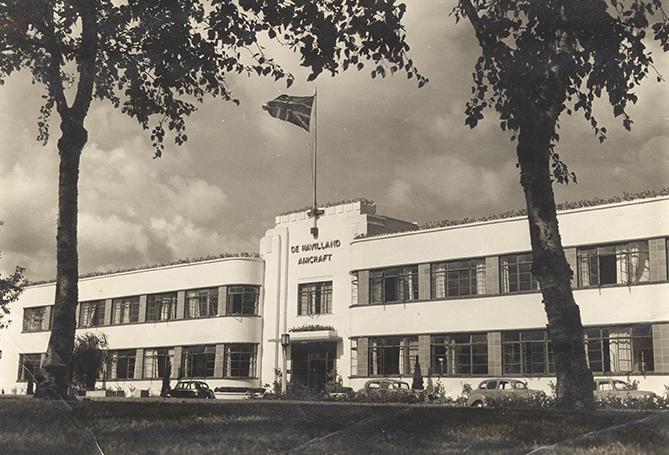 Front of the de Havilland factory | De Havilland factory entrance c1950 (HALS CV/HAT/165)