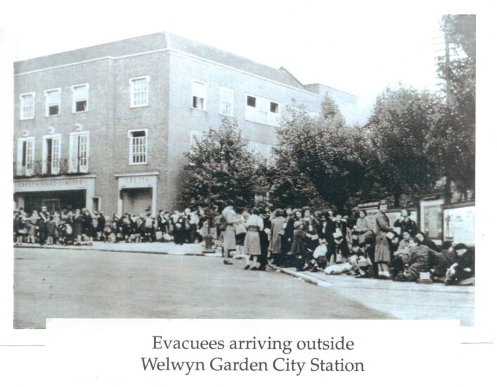 Evacuees Arriving in Welwyn Garden City | Hertfordshire Archives and Local Studies