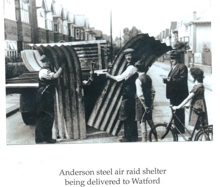 Unloading Anderson Shelter in Watford | Hertfordshire Archives and Local Studies