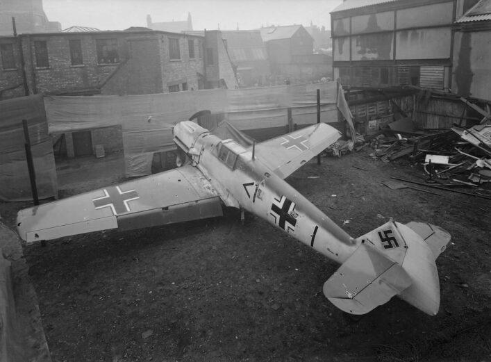 Photograph of a captured Messerschmitt in Watford | HALS (ref WatGrv 0685-00-51)