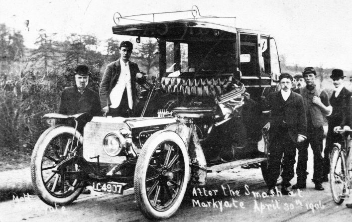 Bystanders and car involved in road accident on London Road 1906, b&w photo   E Mott (C Motley postcard collection)
