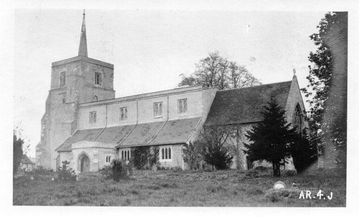 St Leonard's church, south side, b&w print 1910s | C Motley postcard collection