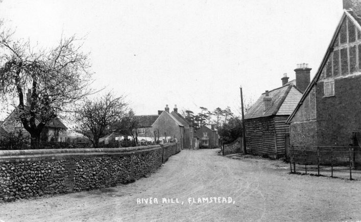 Houses in River Hill from its junction with High Street, 1900s, b&w photo | C Motley postcard collection