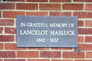 The dedication plaque, 38 Parkside gardens. Jan 2017   Colin Wilson