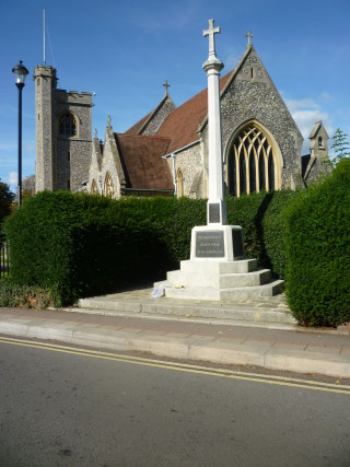 Welwyn War Memorial | Jennifer Ayto