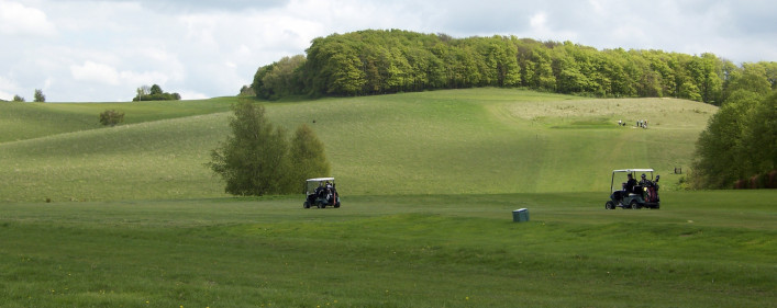 View of the municipal golf course set in rolling hills | © Richard Brockbank 2009