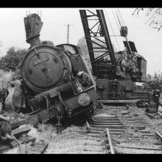 N7 tank engine and 25 wagons derailed at 15 mph following vandalism at Camp Road, St Albans (Sanders' Siding), 1955. No one was hurt. | © Percy Lee; lent by Robin Hogg