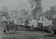 Girls School Class c.1913