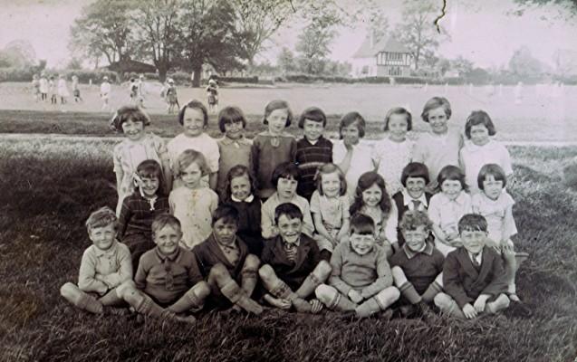 The infant school class in 1932 | Geoff Webb