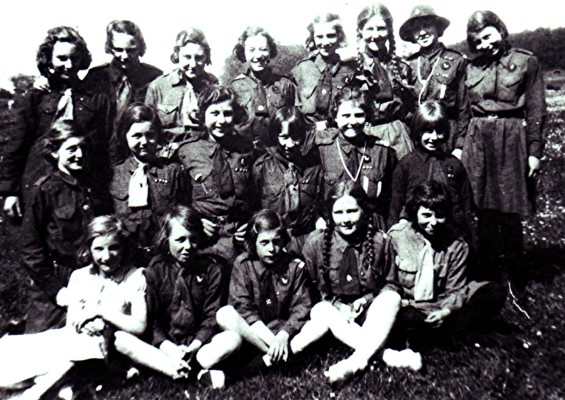 Girl Guides Group | Geoff Webb