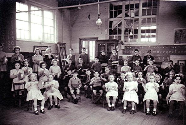 Infants School Music Lesson | Geoff Webb