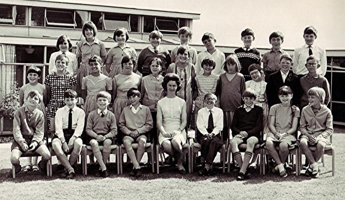 Junior School Class, c.1969   Geoff Webb