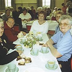 Left to right: Janet Billington, Margaret Ingram, Margaret Fox, Doreen Elding, Janet and Beryl Batchelor | Geoff Webb