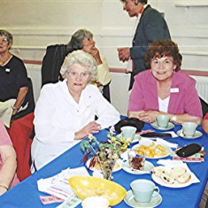 Left to right: Beryl Hedges, Joyce, Dorothy and Rosalind Brett | Geoff Webb
