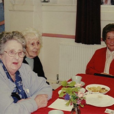 (Left to right): Barbara Walton, Stella Coote, Mollie Powell | Geoff Webb