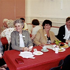 (Left to right): Doreen Bird, Daphne Mason, Sybil Bird, Sheila Hales, Gill Palmer, Rosemary Stevens | Geoff Webb