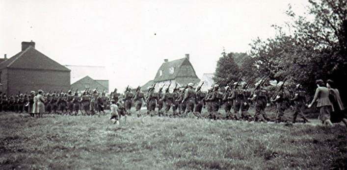 World War 2 Soldiers' Parade | Geoff Webb
