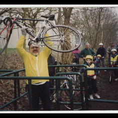 Tony Brookes deals with a cycling barrier on the Alban Way, January 1996. | © Peter Wares