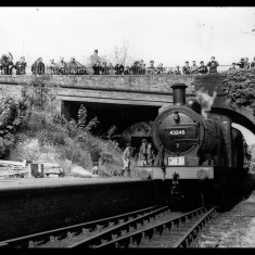 'Special' excursion train and rail enthusiasts arriving at Hemel in 1957. | © Alan J Willmott