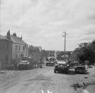 Imperial War Museums - Public Domain https://commons.wikimedia.org/wiki/File:The_British_Army_in_Normandy_1944_B9427.jpg
