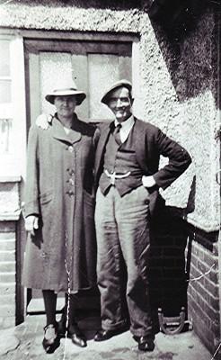 Elsie & Arthur Reading   Geoff Webb