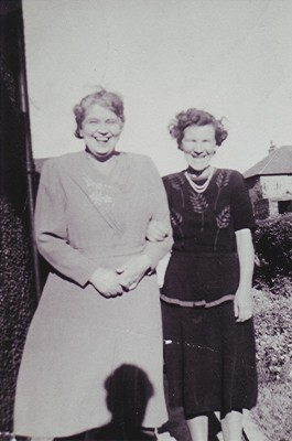 Lily Halsey (right) with her mother Adelaide O'Dell | Geoff Webb