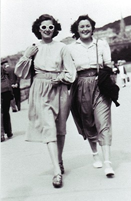 Kathleen Brown and Yvonne Anderson (right), pictured c.1949 | Geoff Webb