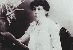 Annie Holt
