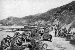 View of Anzac Cove, Gallipoli, shortly after the landing of 25 April, 1915 | The War Illustrated (Public Domain)