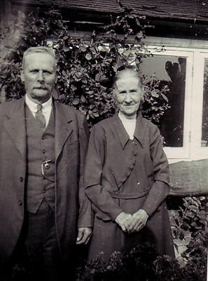 Joseph & Jane Axtell | Geoff Webb