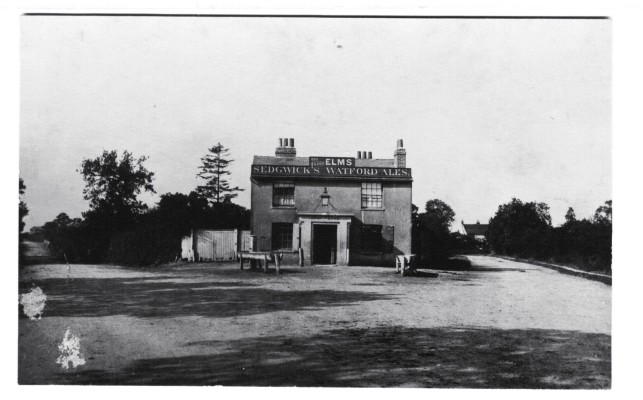 Site of the present Arkley Pub | Scan of a photo held in Barnet Museum, date unknown