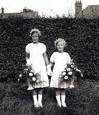 The Batchelor Sisters | Geoff Webb