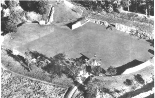 Ruins of Berkhampsted Castle 1974 | Hertfordshire Archives & Local Studies