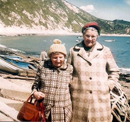 Vera Biggs (left) and Ann Skillman | Geoff Webb