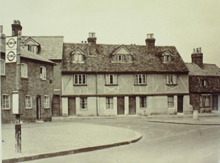 Cottages at the junction with Brookfield Lane, 1948 | Hertfordshire Archives & Local Studies