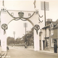 The Jubilee Arch, Bushey, marking the Silver Jubilee of King George V in 1935 | Hertfordshire Archives & Local Studies