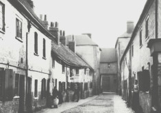 Slum housing in Watford, 1850s to 1930s