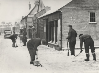 PoWs sweeping snow in Harpenden, 1947 | Eric Brandreth