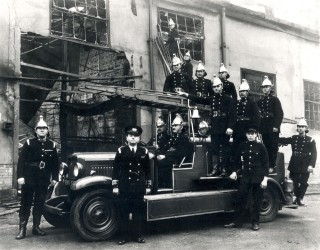 The fire brigade at site of the fire at the British and Dominion Studios in 1936 | Hertfordshire Archives & Local Studies