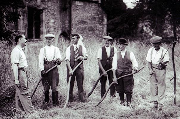 Churchyard Workers   Geoff Webb
