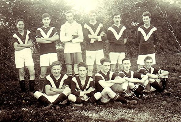Eddie Cooper's Night School Football Team   Geoff Webb