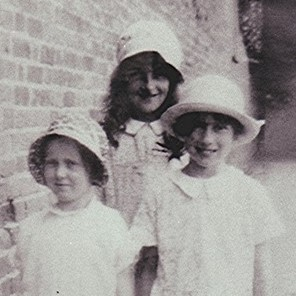 Frede Coote, Dorothy and Ruth Trask | Geoff Webb